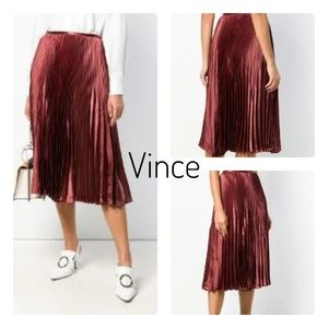 🆕Vince Red Pleated Anise Skirt Size 0